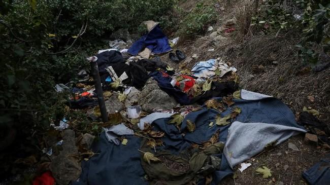 Abdullhai hanyalah satu dari ratusan imigran yang mempertaruhkan nyawanya melintasi dinginnya pegunungan Alpen pada Desember lalu demi mencapai tanah impian mereka di Perancis. (Reuters/Siegfried Modola)