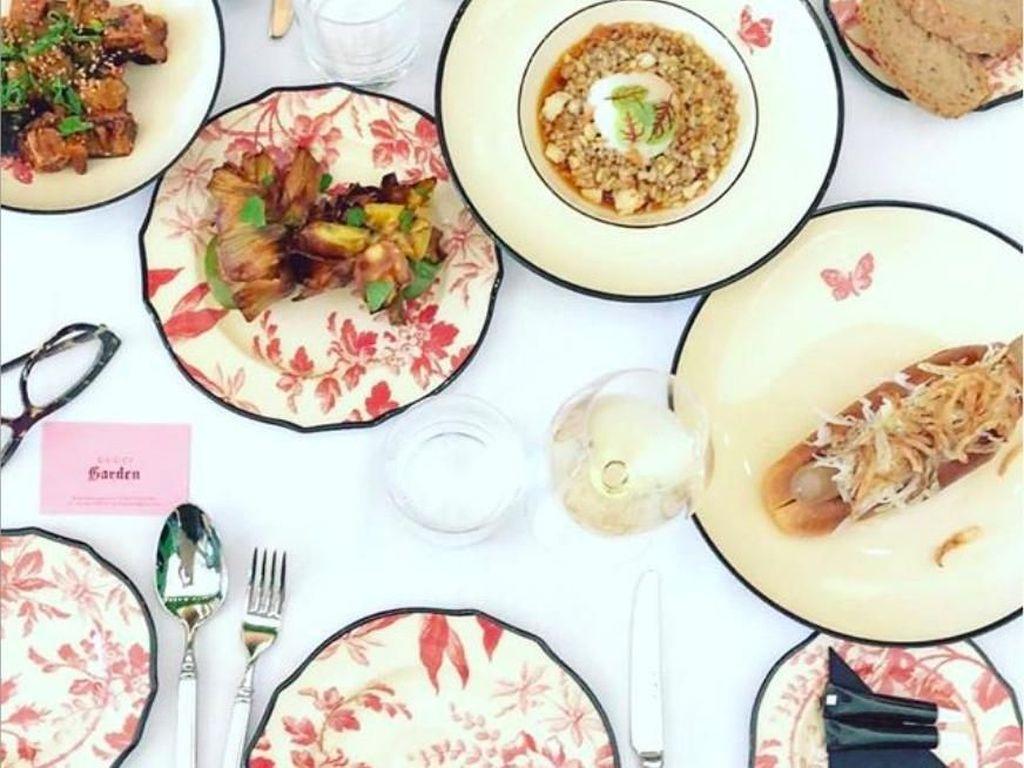 Masih banyak deretan menu spesial lainnya. Tampak menarik ya! Foto: Instagram