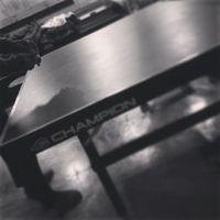 Pria berusia 23 tahun ini ternyata juga suka bermain ping pong lho. (Foto: Instagram/oohsehun)