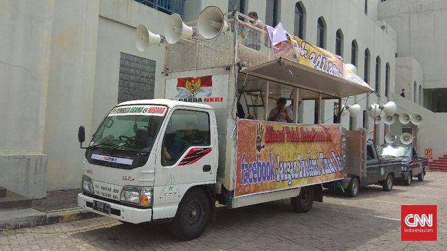 Massa Aksi 121 Tolak Facebook Berkumpul di Masjid Al Azhar