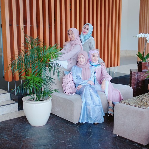 Ketika Ayana Jihye, Hijabers Eks Girlband Korea Liburan Bareng Dian Pelangi