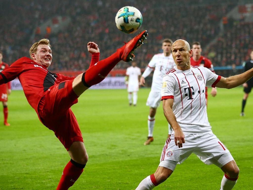 Pada laga resmi pertamanya di 2018, Bayern mengalahkan Bayer Leverkusen 3-1 di BayArena, Sabtu (13/1/2018) dinihari WIB. Foto: Wolfgang Rattay/Reuters