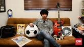 Seperti gitar Noel Gallagher, tamborin Liam Gallagher, jaket Noel yang dikeluarkan saat anniversary penfield, pernak-pernik Oasis yang hanya ada sedikit di dunia, CD Oasis yang batal dirilis karena ada lagu yang dihilangkan, dan koran serta majalah luar negeri yang memberitakan Oasis.
