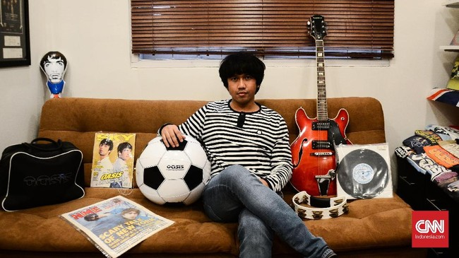<p>Seperti gitar Noel Gallagher, tamborin Liam Gallagher, jaket Noel yang dikeluarkan saat anniversary penfield, pernak-pernik Oasis yang hanya ada sedikit di dunia, CD Oasis yang batal dirilis karena ada lagu yang dihilangkan, dan koran serta majalah luar negeri yang memberitakan Oasis.</p>