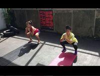 Thalita Latief rutin melakukan body weight exercise dengan squat sejak melakukan program diet. (Foto: instagram/thalitalatief)