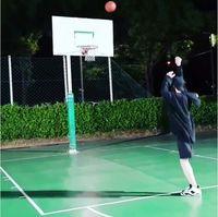 Di sela-sela jadwal manggungnya yang padat, Chanyeol masih sempat bermain basket. (Foto: Instagram/real_pcy)