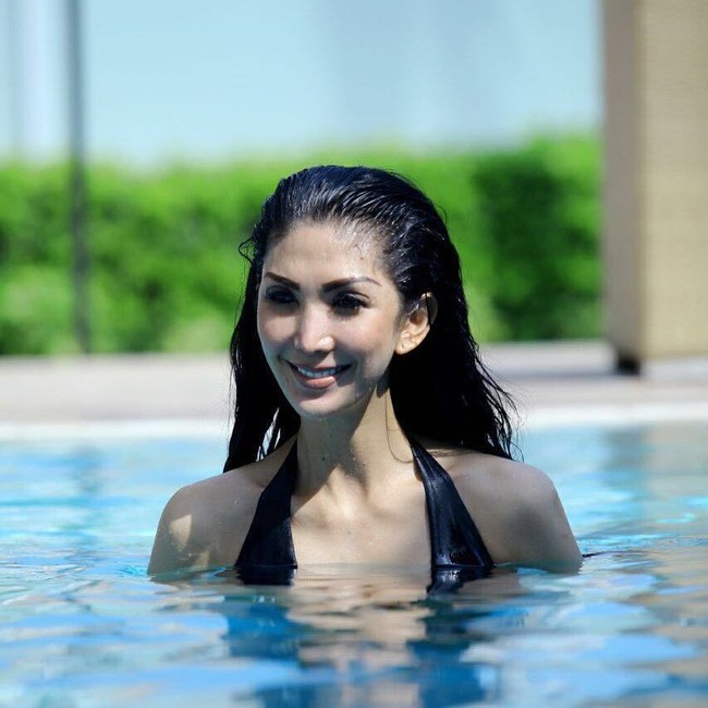 Foto: Olahraga Tante Cantik yang Gayanya Dibilang Mirip Syahrini - 7