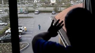 Penembakan Sekolah di Florida, Seorang Tersangka Ditahan