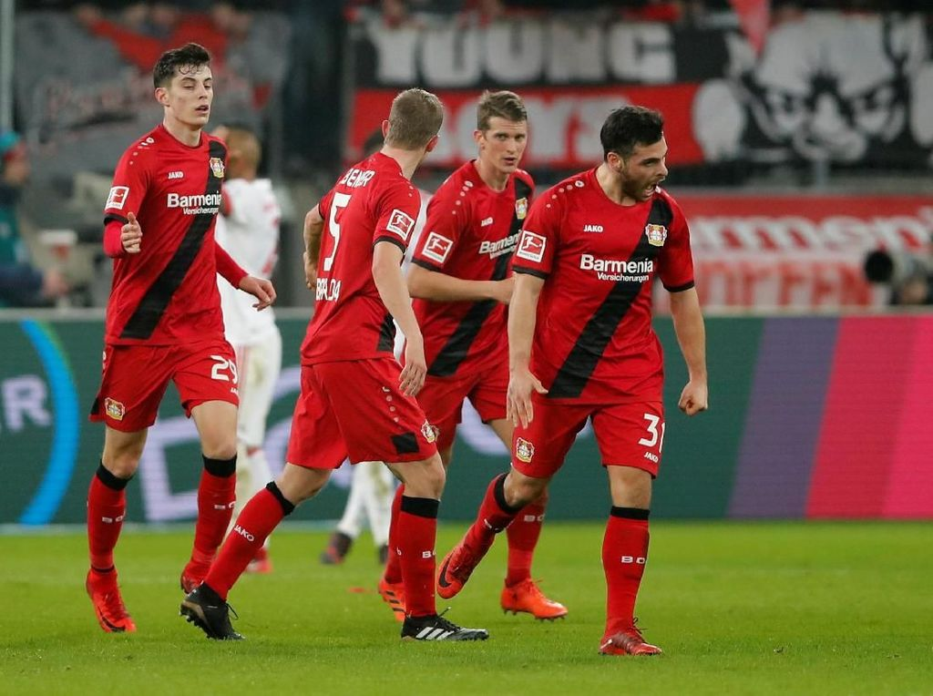 Leverkusen sempat menipiskan ketertinggalan menjadi 1-2 lewat gol Kevin Volland. Foto: Wolfgang Rattay/Reuters