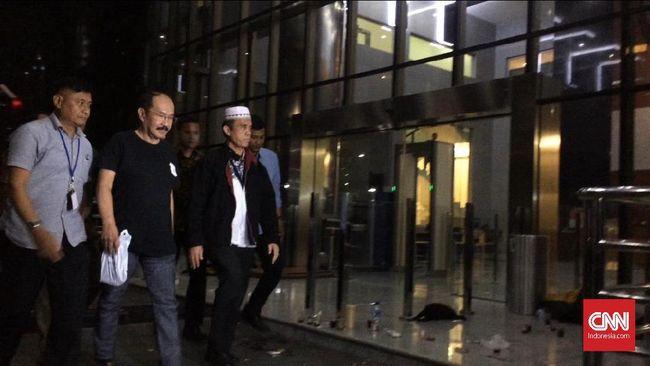 Ditangkap KPK, Fredrich Yunadi Pilih Bungkam