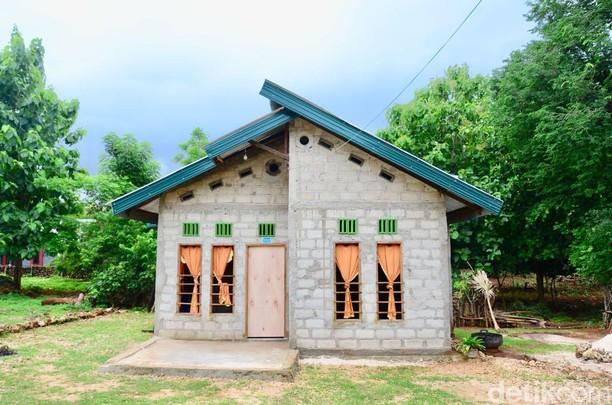 Dulu Kayu dan Daun, Rumah Warga Rote Barat Dipermak Jadi Kokoh