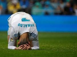 Gaji Cristiano Ronaldo Hanya Setengah Lionel Messi