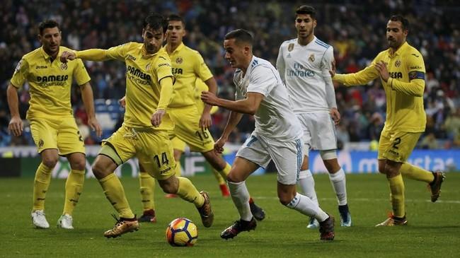 Winger Real Madrid Lucas Vazquez berusaha membongkar lini pertahanan Villarreal. Madrid berhasil mendominasi jalannya pertandingan di laga ini. (REUTERS/Javier Barbancho)