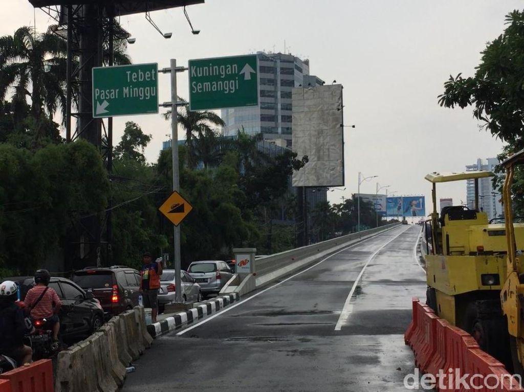 Menurut Sandi marka sudah hampir selesai dan rambu lalu lintas sudah terpasang (Foto: Parastiti Kharisma Putri/detikcom)