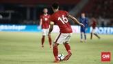Bek Timnas Indonesia Fachruddin Aryanto menjadi salah satu dari tiga pemain senior yang dipercaya Luis Milla menjadi starter saat melawan timnas Islandia, selain Andritany Ardhiyasa dan Bayu Pradana. (CNN Indonesia/Andry Novelino)