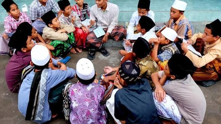 Ujicoba aplikasi dimulai di pesantren Al Ashriyyah Nurul Iman di Bogor, dan akan dilanjutkan ke pesantren lainnya