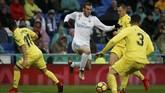 Real Madrid menjamu Villarreal di Stadion Santiago Bernabeu dengan harapan memangkas ketinggalan 16 poin dari Barcelona di puncak klasemen sementara La Liga. (REUTERS/Javier Barbancho)