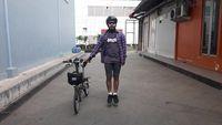 Biasanya Wendi menggunakan sepeda untuk pergi ke lokasi kerja. Foto: Instagram @wendicagur