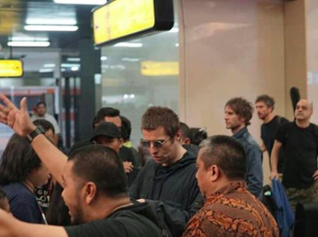 Salah satu personel Oasis itu siap menyapa penggemar di Jakarta. Foto: Instagram @collectivetouring