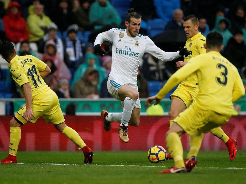Bermain di Santiago Bernabeu, Madrid sebenarnya tampil dominan terutama di babak pertama. Total 28 tembakan dilepaskan sepanjang 90 menit, tapi El Real tetap kalah 0-1 (Javier Barbancho/REUTERS)