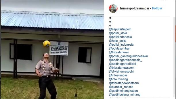 Foto: Ini Kapolres yang Viral karena Juggling Bola Bak Neymar
