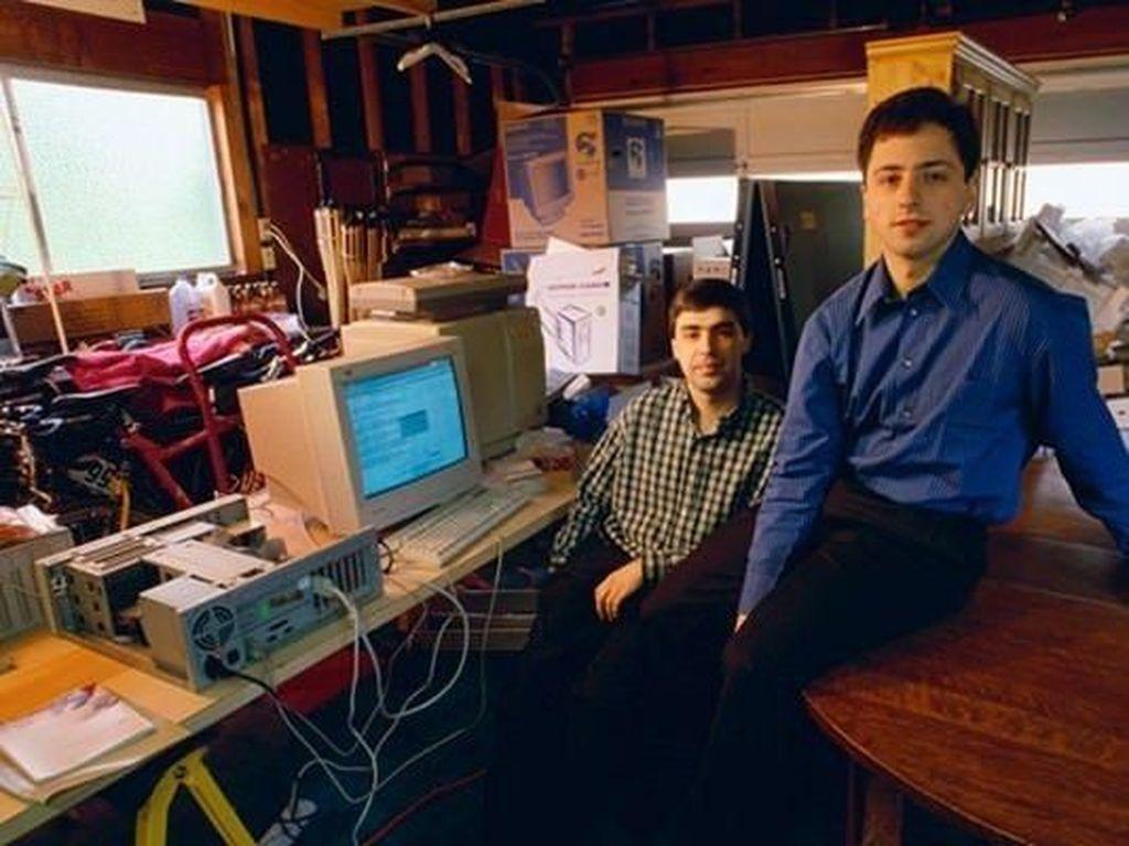 Larry Page dan Sergey Brin saat masih muda dan baru saja merintis Google. Foto: istimewa
