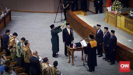 DPR Tunda Pelantikan Pimpinan dari PDIP