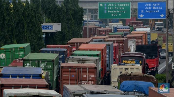 Angkutan barang yang melebihi kapasitas akan dilarang masuk tol.