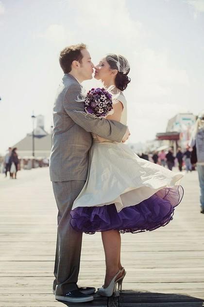 So Sweet, Kisah Cinta 7 Pasangan yang Sudah Jodoh dari Lahir  1