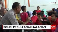 Anak-anak Jalanan di Kota Tua Diajarkan Membaca & Berhitung