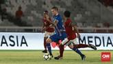 Sebelum jeda babak pertama, Islandia berhasil menyamakan kedudukan lewat gol Albert Gudmundsson yang menaklukkan kiper Timnas Indonesia Andritany Ardhiyasa. (CNN Indonesia/Andry Novelino)