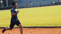 Duh, lari marathon ternyata menjadi aktivitas rutinnya. Foto: Instagram @vjdaniel