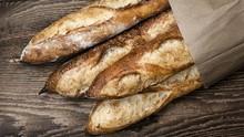 Macron Ingin Daftarkan Baguette Jadi Warisan Dunia ke UNESCO