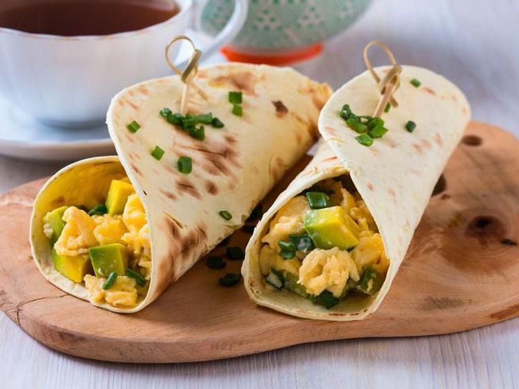 Pemeran film Beauty and the Beast, Emma Watson sangat menyukai tortilla dengan paduan telur di pagi hari. Ditambah dengan beberapa sayuran segar. Foto: Istimewa