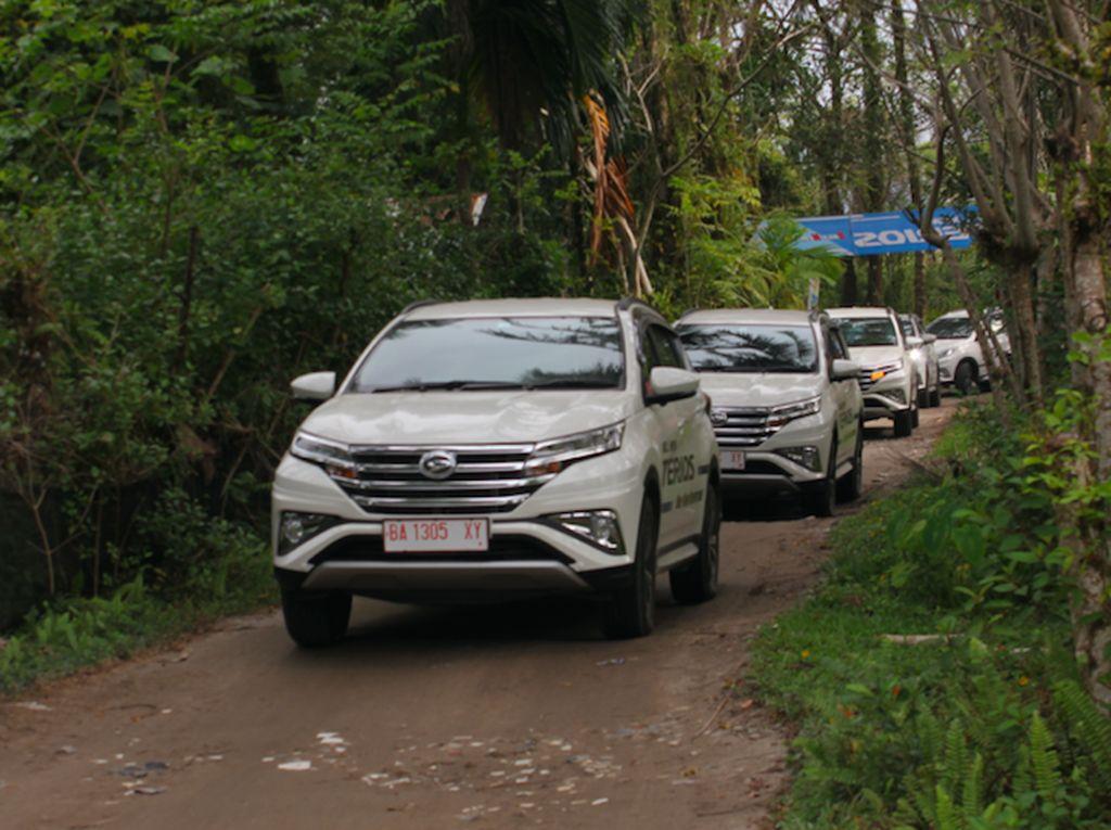 SUV Daihatsu Terios nasibnya kurang bagus dari Rush yang ada di urutan atas. Terios hanya sanggup berada di urutan ke-18 dengan angka penjualan 923 unit. Foto: Pool (Daihatsu)