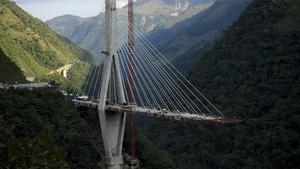 FOTO: Ketika 10 Pekerja Kolombia Tewas Akibat Jembatan Ambruk