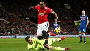 Jose Mourinho Anggap Selisih Poin dengan ManCity Masih Besar
