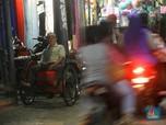 Geliat Pengayuh Becak di Tanjung Priok