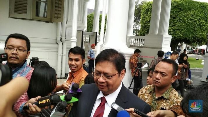 Upah Buruh Naik 8%, Jokowi Siapkan Insentif Bagi Perusahaan