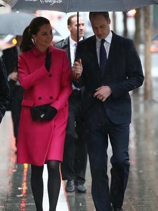 Foto: Gaya Daur Ulang Kate Middleton Pakai Coat Pink Rp 27 Juta