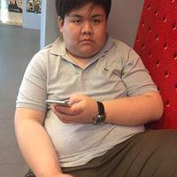 Dengan berat badan mencapai sekitar 155 kilogram (kg), Mos Sataporn Munchackun dari Thailand sering diejek oleh orang sekitar. (Foto: Facebook/Mos Sataporn Munchackun)