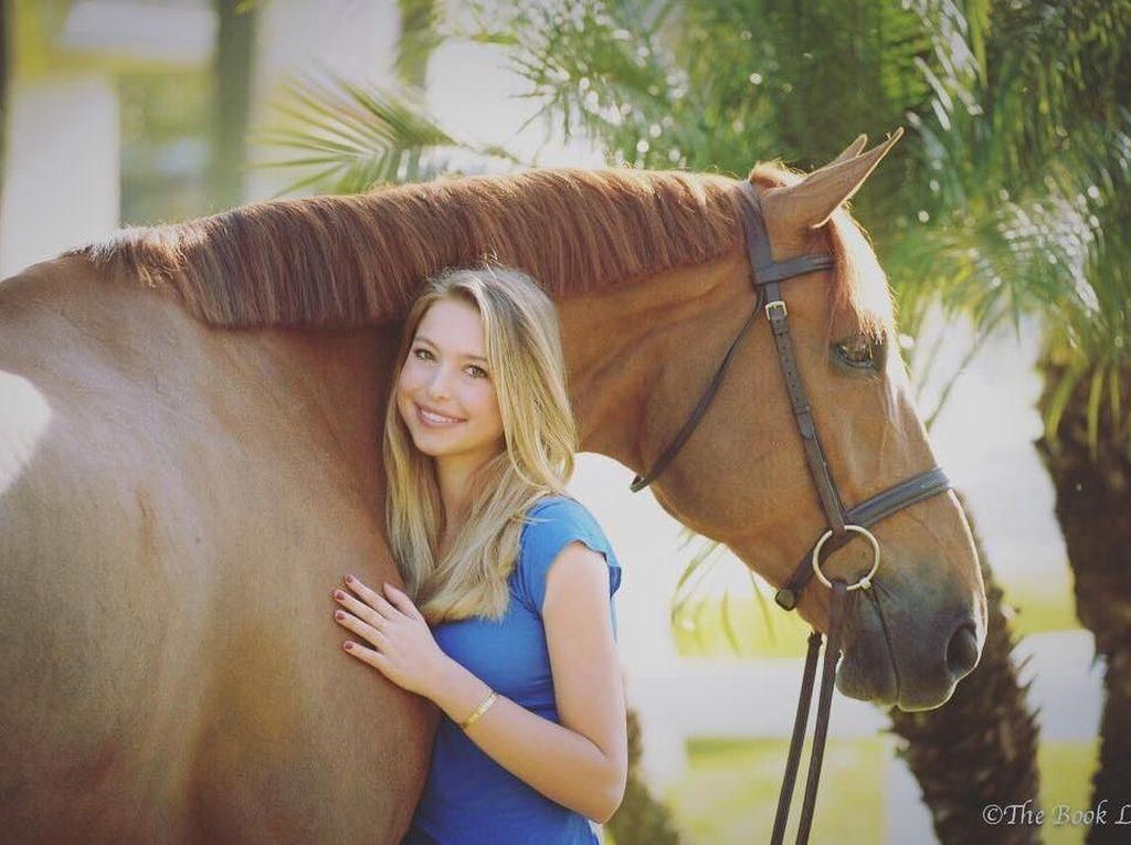 Foto: Mengintip Kehidupan Glamour Putri Cantik Steve Jobs, Eve