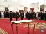 <em>Reshuffle</em> Bersejarah Jokowi