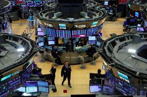 Kekhawatiran Perang Dagang Gilas Bursa AS di Sesi Pembukaan