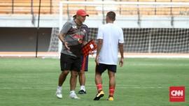 Gomes Mundur dari Posisi Pelatih Madura United