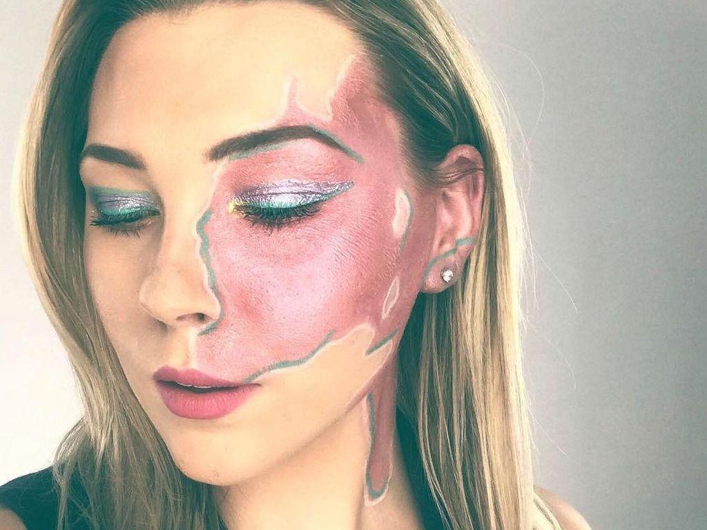 Foto: Tanda Lahir di Wajah Wanita Ini Jadi Karya Seni Makeup yang Indah