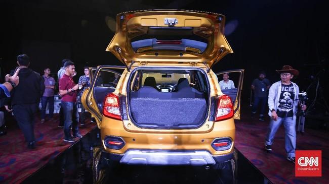 Corporate Vice President Nissan Motor Global Head of Datsun Jose Roman menyebut Cross cocok sebagai mobil pribadi yang mengombinasikan antara performa dan efisiensi. (dok. CNNIndonesia/Safir Makki)