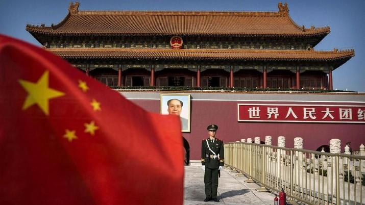 Presiden XI Jinping melarang kantor pemerintah dan layanan publik menggunakan hardware dan software dari perusahaan asing seperti Microsoft, Dell & HP.