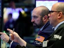 Perang Dagang Makin Kisruh, Wall Street Terjun Bebas