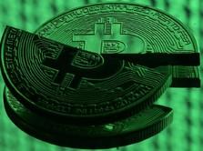 Dalam Sebulan Kapitalisasi Pasar Bitcoin Menguap Rp 1.000 T